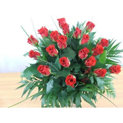 20 róż w bukiecie